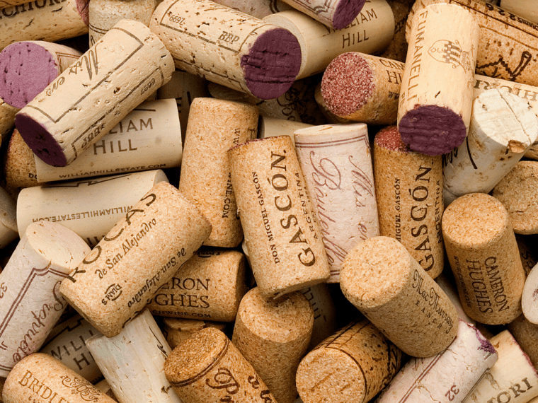 How to cork a wine bottle
