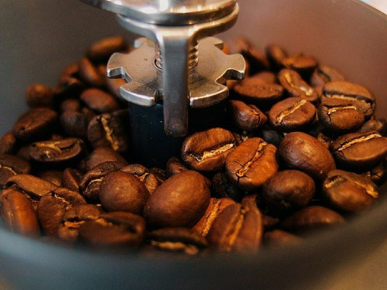 best-coffee-makers-with-grinders